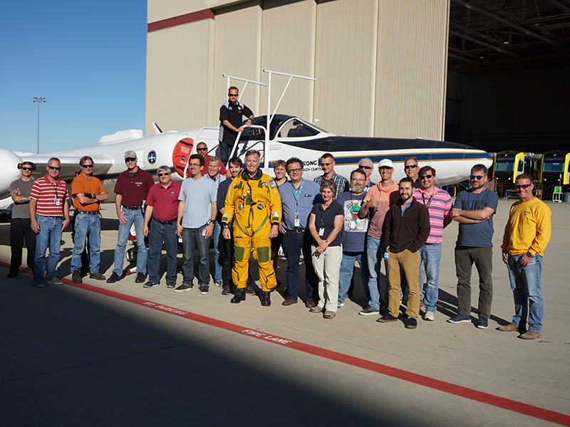 Some of the pilots, mechanics, engineers and scientists who participated in the ACEPOL field campaign