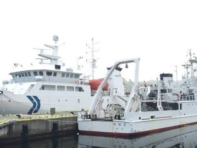 R/V <em>Onnuri</em> and R/V <em>Eardo</em> in port after the KORUS-OC campaign. Credit: Joaquim Goes/Columbia University