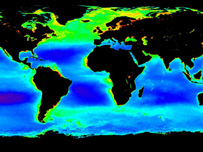 Average Northern Hemisphere Spring ocean chlorophyll concentrations (light green) produced from 1998-2004 data. Credit: NASA